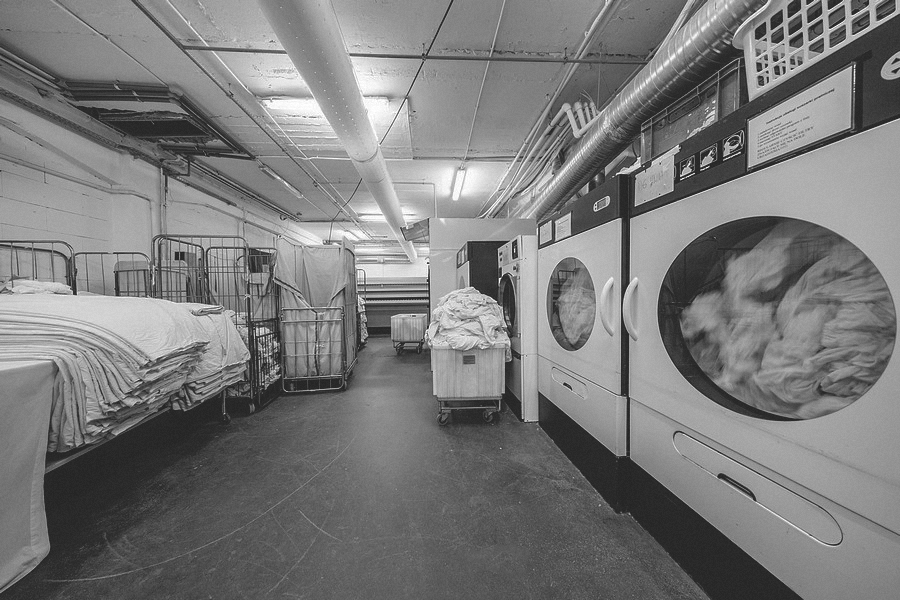 Laundry in a hotel – is it worth entrusting it to an external company?